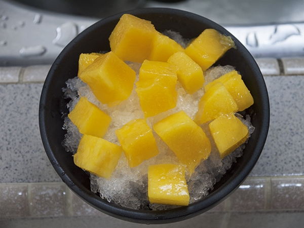 top with generous amount of mango cubes